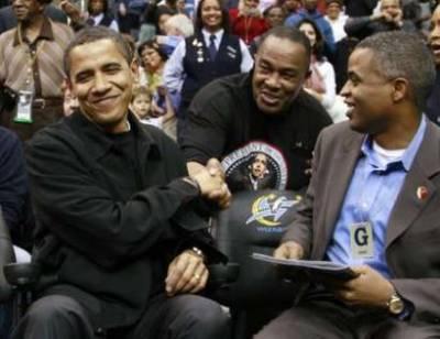 president-obama-shakes-hand-2-27-09